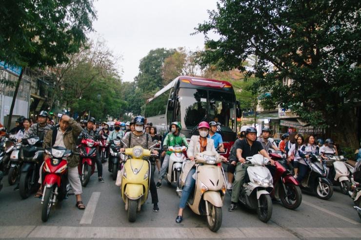 rachel-walker-portrait-photography-travel-asia-vietnam-006