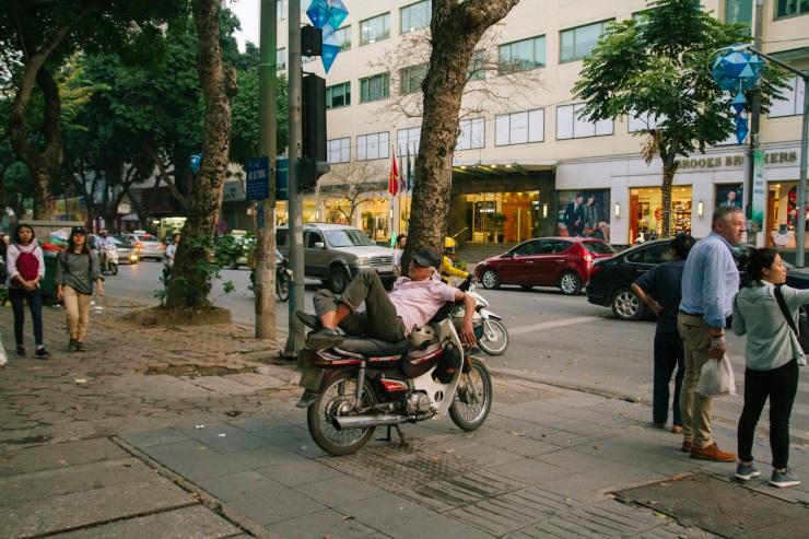 rachel-walker-portrait-photography-travel-asia-vietnam-007