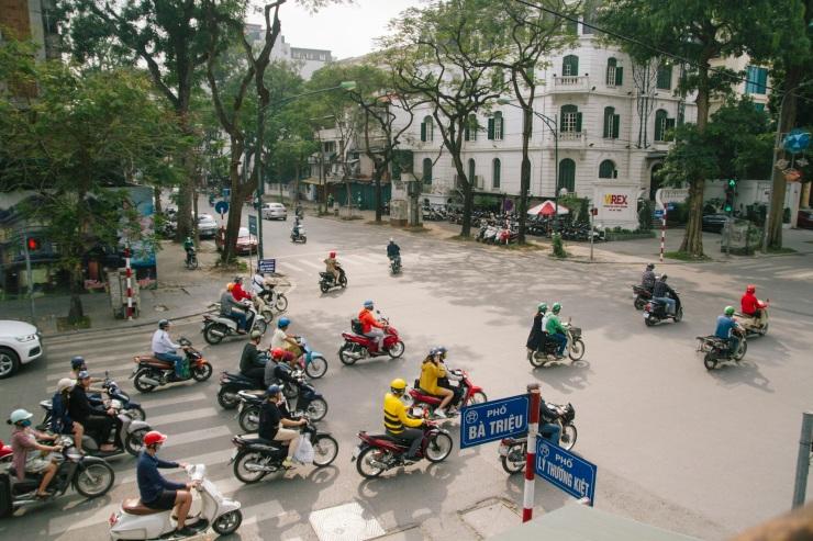 rachel-walker-portrait-photography-travel-asia-vietnam-008