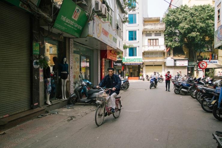 rachel-walker-portrait-photography-travel-asia-vietnam-016