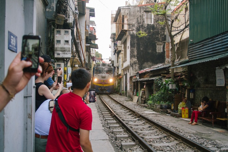 rachel-walker-portrait-photography-travel-asia-vietnam-024