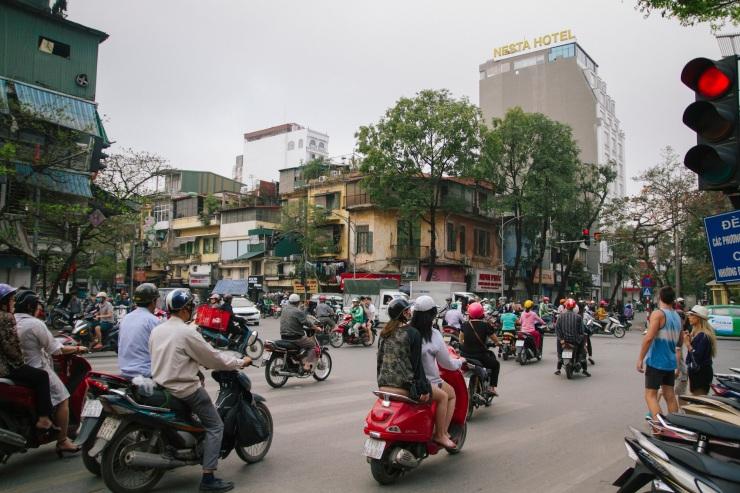 rachel-walker-portrait-photography-travel-asia-vietnam-027