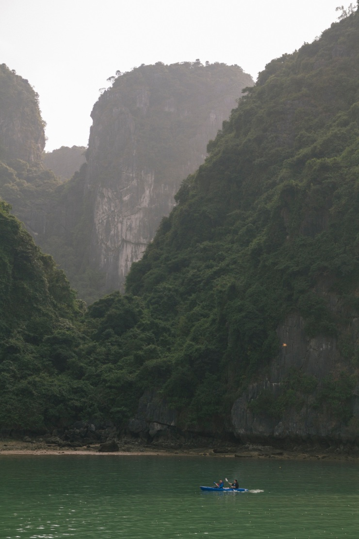 rachel-walker-portrait-photography-travel-asia-vietnam-044