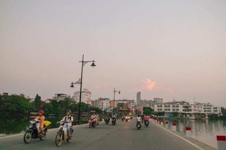 rachel-walker-portrait-photography-travel-asia-vietnam-059
