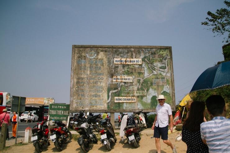 rachel-walker-portrait-photography-travel-asia-vietnam-071