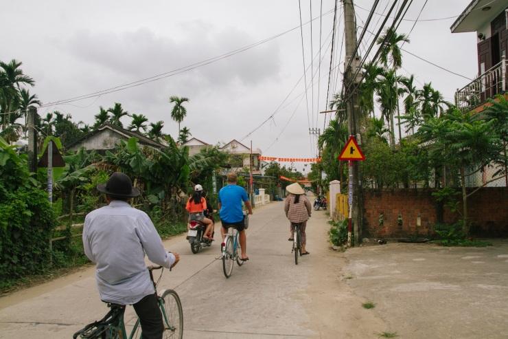rachel-walker-portrait-photography-travel-asia-vietnam-081