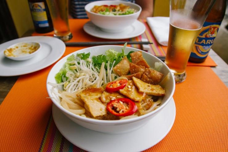 rachel-walker-portrait-photography-travel-asia-vietnam-094