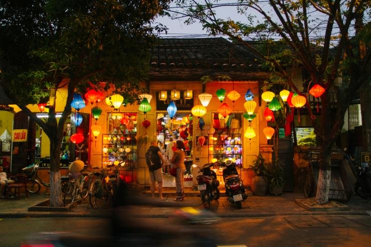 rachel-walker-portrait-photography-travel-asia-vietnam-105