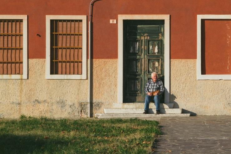 rachel-walker-portrait-photography-travel-europe-italy-venice-17